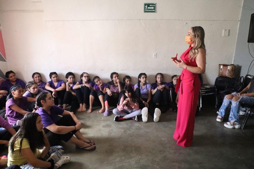 """Aplica Fundación Caudillos programa """"Cambiando Paradigmas"""""""